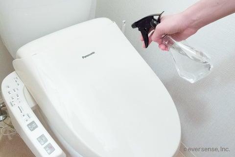 重曹スプレーでトイレ掃除