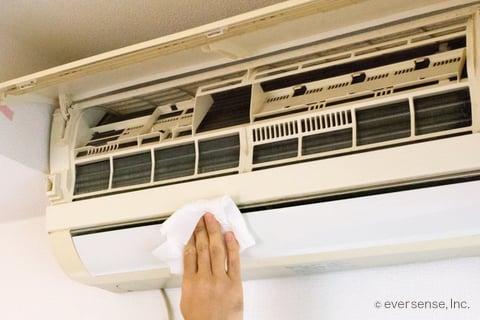 エアコンのカビ掃除