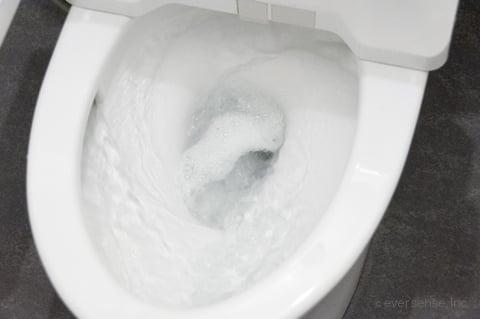 オキシクリーンでトイレ掃除