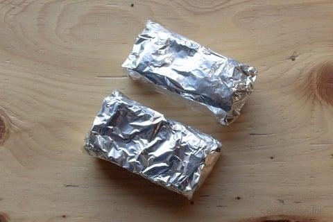 ウタマロ石鹸 アルミホイルに包む