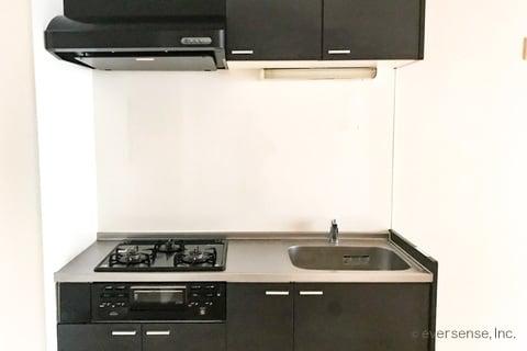 キッチン シンク コンロ 換気扇