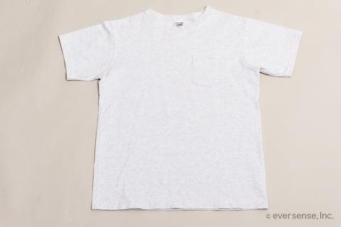 Tシャツのたたみ方 手順1