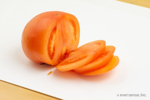 輪切りのトマト