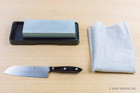 包丁を砥石で研ぐときの道具