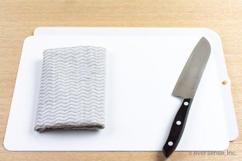 包丁とまな板と布巾