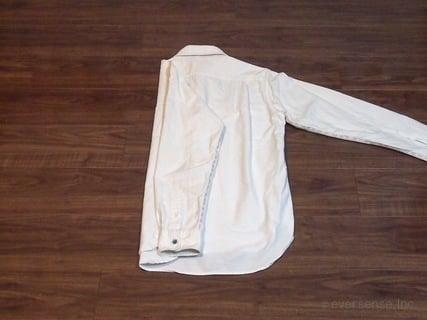 シャツのたたみ方 手順2