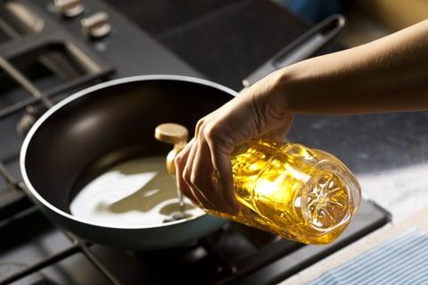 オイル 油 料理 揚げ物