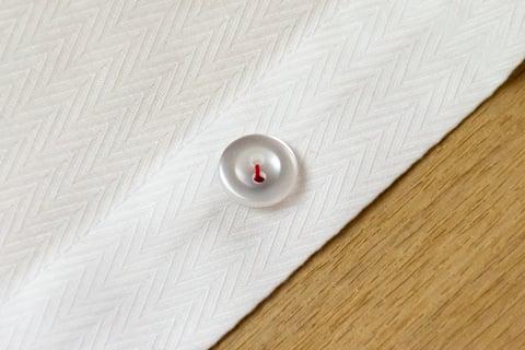 2つ穴ボタンの付け方