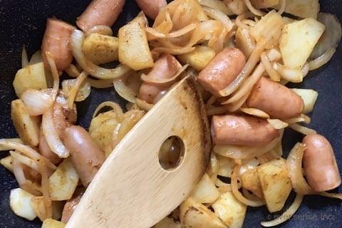 じゃがいも レシピ じゃがいもと玉ねぎのカレー炒め