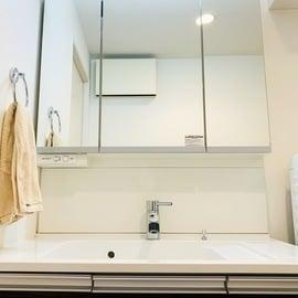 【ちょい家事】洗面所の鏡は「洗濯前のタオル」で拭き上げる