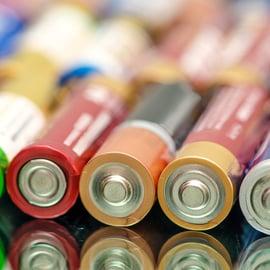 乾電池の捨て方|リチウムやボタン型、充電池で処分方法は違う?