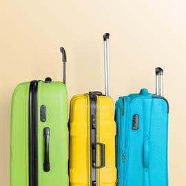 スーツケースのカビの取り方|掃除や手入れ、保管のポイントは?