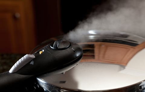 圧力鍋 調理 蒸気