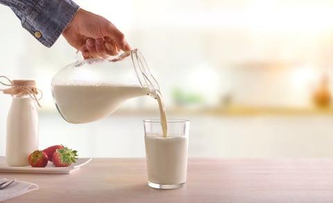 牛乳 コップ