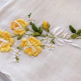 バラ 花 モチーフ 刺繍 ハンドメイド 裁縫